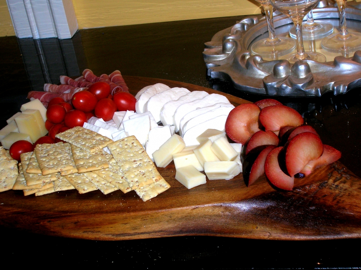 Rustic-Cheese-Tray1A